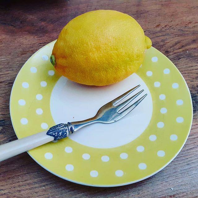 Reukverlies bij Corona. Recept voor intense citroentaart.