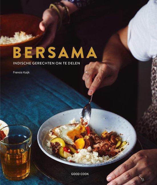 Bersama is een warm kookboek dat perfect past in deze tijd. + recept voor heerlijke garnalen-kokosballetjes