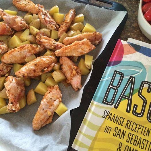 Basque, neemt je mee op reis. + Heerlijk recept voor kipvleugels